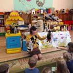 Marzena podczas zajęć z dziećmi