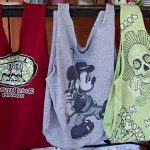 Nieużywane koszulki jako surowiec na torby